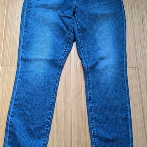 NWT - Loft Jeans - Curvy Skinny - Size 8